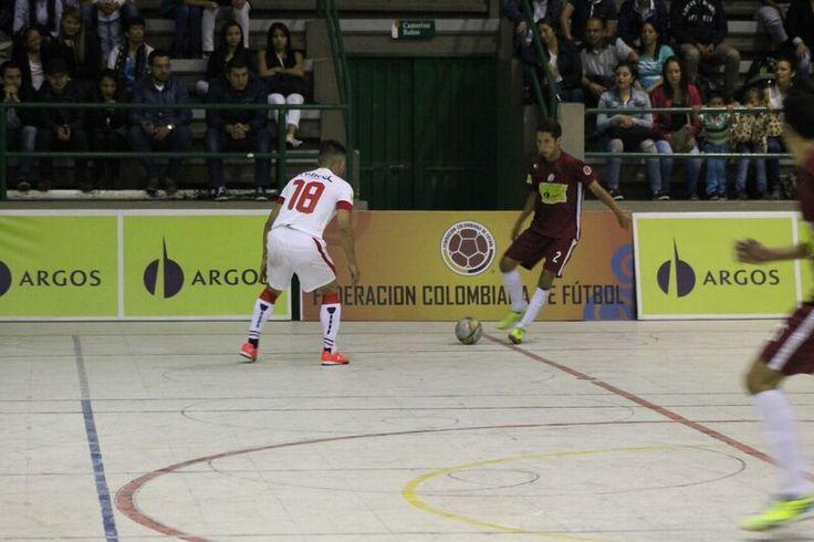 Lanús Colombia ganó 4-3 a Deportivo Saeta #FútbolRevolucionado #ElfutsalEsNuestro