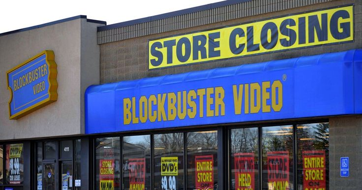 Last Blockbuster Video in Texas Closes Its Doors Forever -- The Edinburg, Texas Blockbuster was one of the last places where movie fans could enjoy the sensation of renting movies in person. -- http://movieweb.com/last-blockbuster-video-texas-closes/
