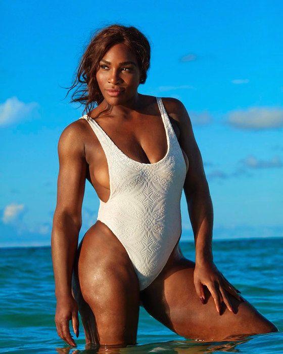 Вконце 2016 года стало известно, что 35-летняя четырехкратная олимпийская чемпионка Серена Уильямс (Serena Williams) приняла предложение руки исердца отсоздателя сайта Reddit Алексиса Оганяна. Непрошло иполугода смомента объявления освадьбе, как Серена выложила фото вкупальнике. Наснимке отчетливо виден округлившийся живот спортсменки. Если верить подписи нафото, тосейчас теннисистка на20 неделе. Позже представитель рекордсменки подтвердила, что ееподопечная вположении…