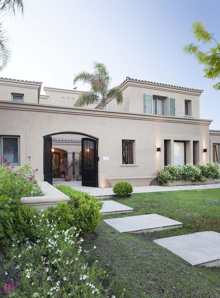 750 p xeles for Fachadas de casas estilo clasico