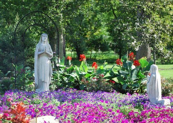 101 best images about prayer garden ideas and inspiration for Prayer garden designs