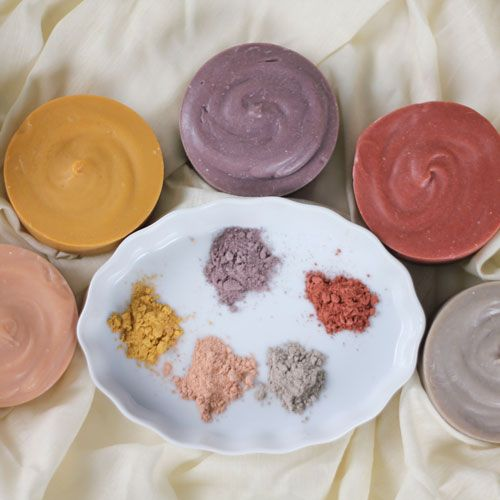 We're taking today off from our normally scheduled cold process tutorial to show you this fantastically thorough recap of a session at the 2014 Soap Guild. Our guest blogger Jean Horn attended Ruth Esteves' session on natural colorant testing in cold process. Natural colorants are a beautiful option for cold process soaping, but it's important …