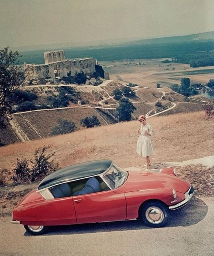 128 best images about citroen ds the goddess on pinterest cars citroen ds and station wagon. Black Bedroom Furniture Sets. Home Design Ideas
