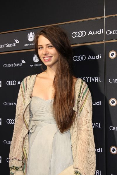 Actress Luna Mijovic (Traumland) on the Green Carpet at 9. ZFF.