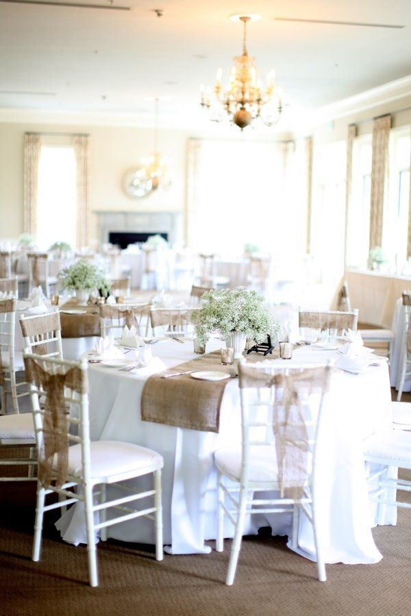 Burlap and baby's breath ~ an unbeatable combo! Photography by annanaphtali.com