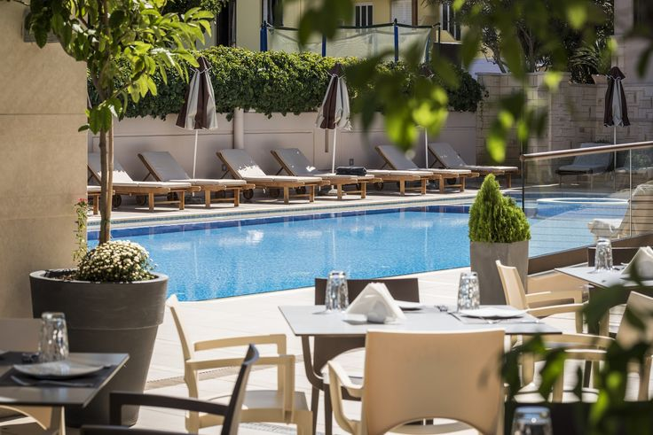 Just look at the swimming pool, how calm and cool it is in the morning. So inviting! https://www.oscarvillage.com/hotel-pools  #Oscar #OscarHotel #OscarSuites #OscarVillage #OscarSuitesVillage #HotelChania #HotelinChania #HolidaysChania #HolidaysinChania #HolidaysCrete #HolidaysAgiaMarina #HotelAgiaMarina #HotelCrete #Crete #Chania #AgiaMarina #VacationCrete #VacationAgiaMarina #VacationChania