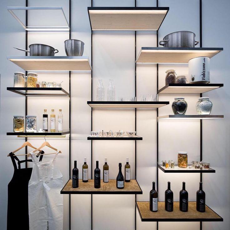 """mensole- Viabizzuno (@viabizzunoprogettiamolaluce) su Instagram: """"il sistema 'men sole', la luce giusta per i negozi the 'men sole' system, the right light for…"""""""