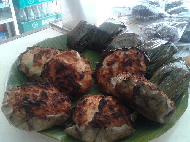 Kue Bika dari Sumatera