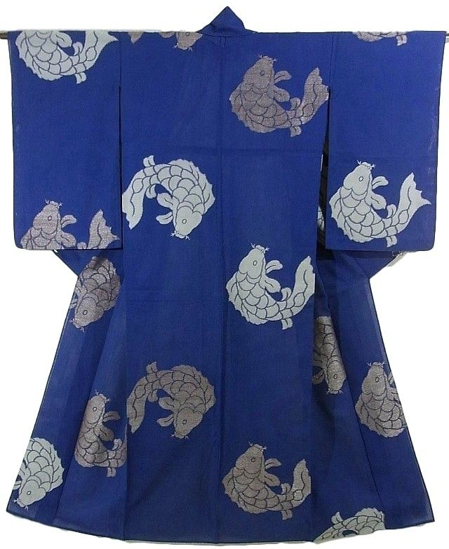 This is an attractive summer kimono with a large 'Araiso' (fish over waves) pattern, which is woven. It is woven kanoko dots and wave pattern on the base. Textile is transparent 'Monsha'(transparent silk with woven pattern) and has soft touch