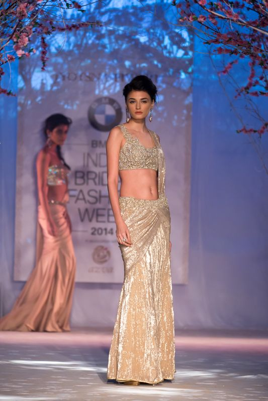 Fashion Designer Jyotsna Tiwari's Collection at IBFW'14