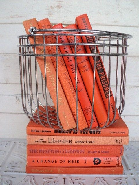 coral.quenalbertini: Coral colour coordinated books