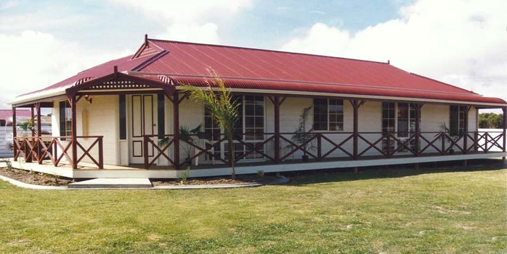 COLONIAL HOUSE STYLE WITH BULLNOSE VERANDAHS AND DUTCH GABLES - Overland Homes