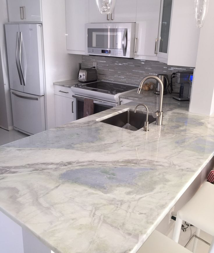 Lumen Quartzite Countertops Kitchen In Hallandale Beach