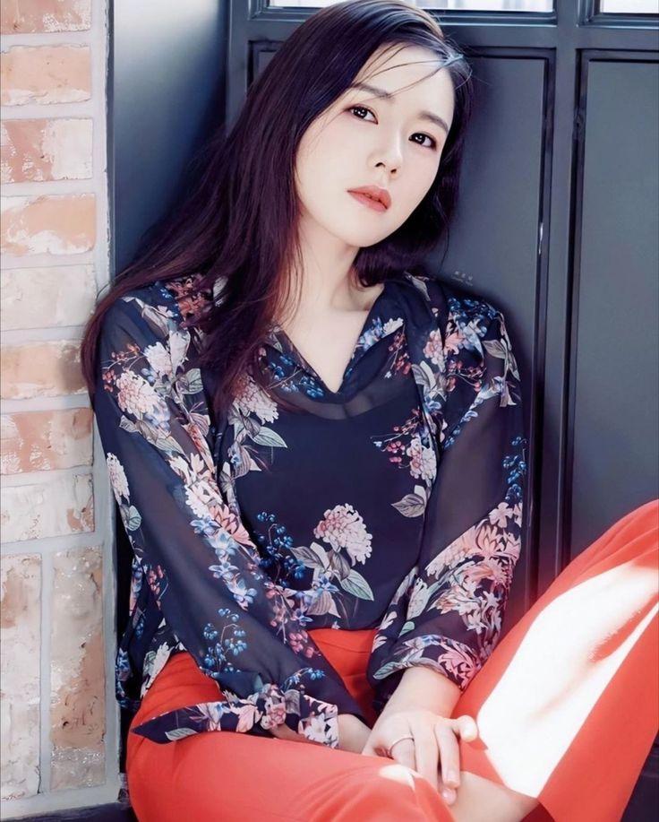 Pin by Cahyono123 on Son Ye-Jin | Female stars, Jin