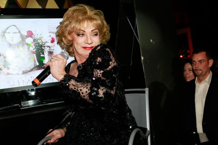 Holly Woodlawn, mort d'une icône warholienne Check more at http://info.webissimo.biz/holly-woodlawn-mort-dune-icone-warholienne/