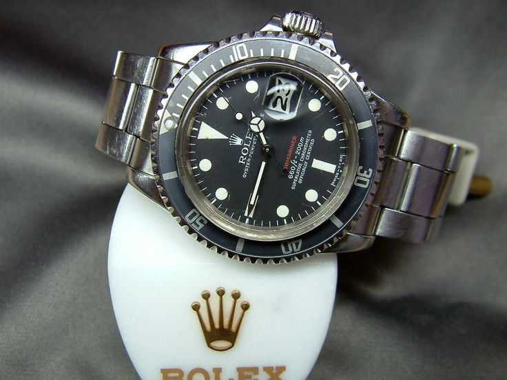 Rolex submariner 1680 red