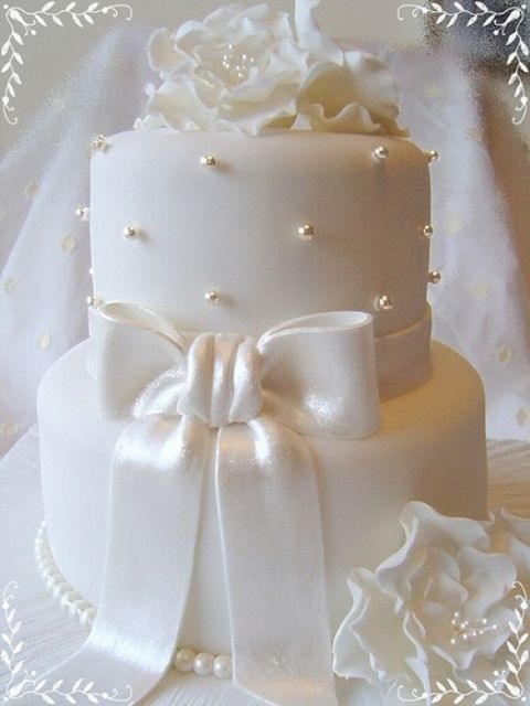 Exquisite All White Wedding Cakes | Weddingomania - cute size for a wedding shower
