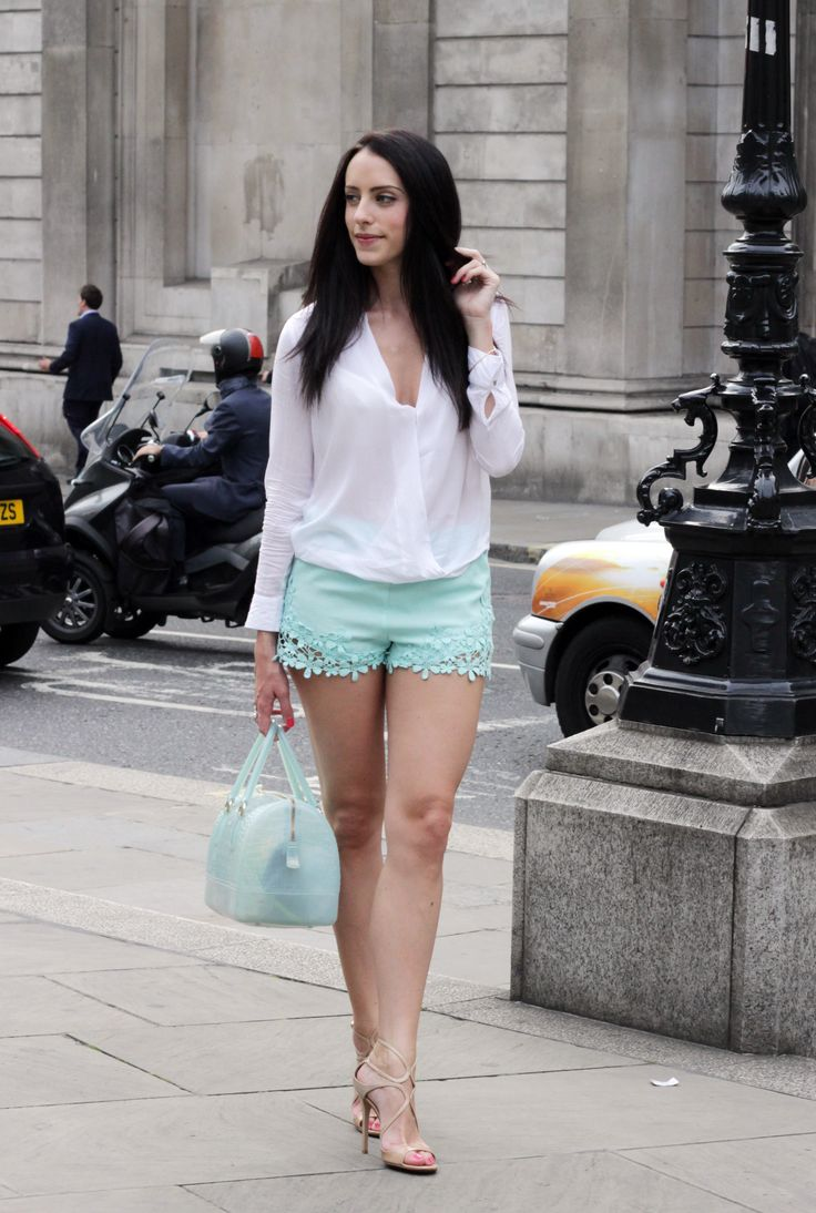 Summer outfit inspiration, Date Outfit, Zara Mint lace shorts