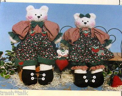 Krafdee-amp-Co-Beary-Pickin-stuffed-teddy-bear-pattern-15-034-oop
