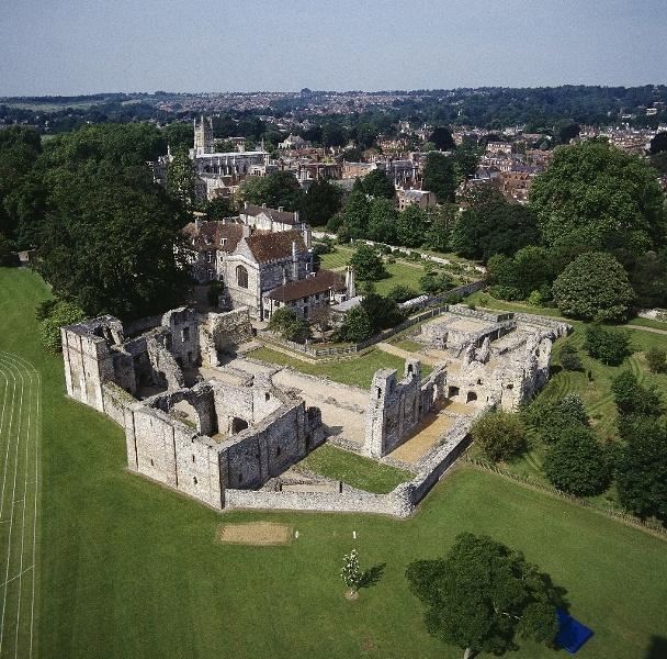 Ruins of Wolvesley Castle, England gallerygalleryimage120081104092011.jpg (608×600)