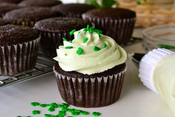 Chocolate Guinness Cupcakes - I used half a cup of beer and half a cup ...