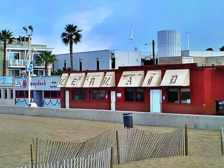 Mermaid Restaurant on the strand in Hermosa Beach