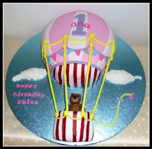 Hot air balloon themed birthday cake