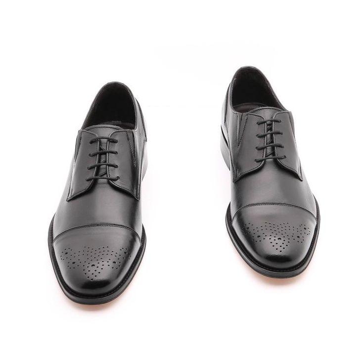Scarpe primavera / estate per l'uomo, scarpe basse, colore nero,Design estetico sulla pelle, Suola in cuoio con disegno antiscivolo, in vera pelle, fatto a mano in Italia.