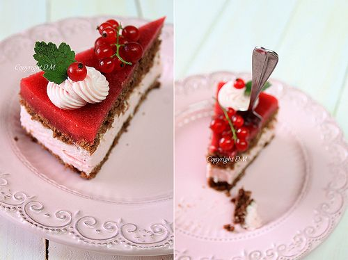 Redcurrant cake