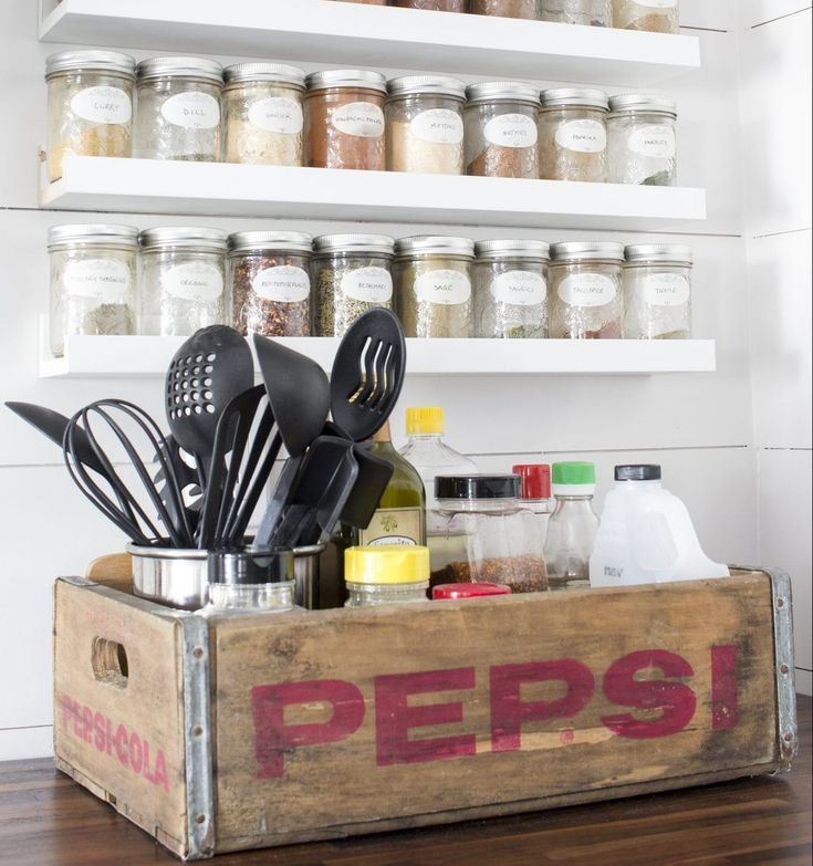 17 excellent kitchen storage ideas made with recycling old crates reforma casa decoração e casas on kitchen organization recycling id=39479