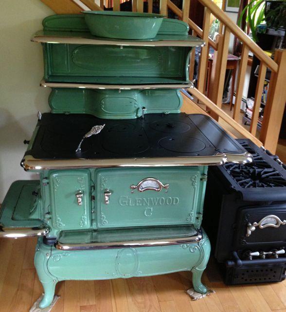 Best 25+ Antique kitchen stoves ideas on Pinterest   Vintage stove ...