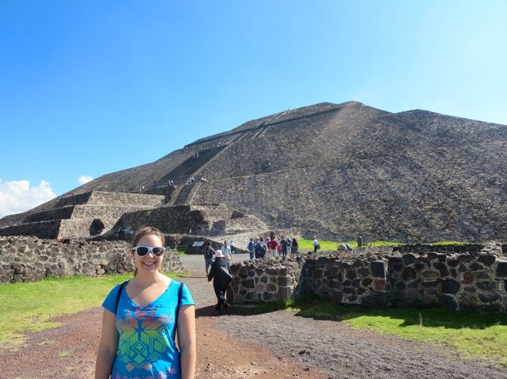 Teotihuacan is one of the best Mexico City day trips. You can visit Teotihuacan without a tour by taking the bus from Mexico City to Teotihuacan.