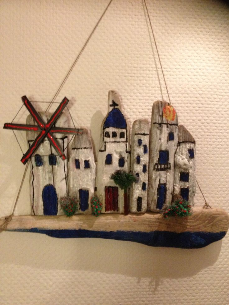 Painting Pictures On Driftwood