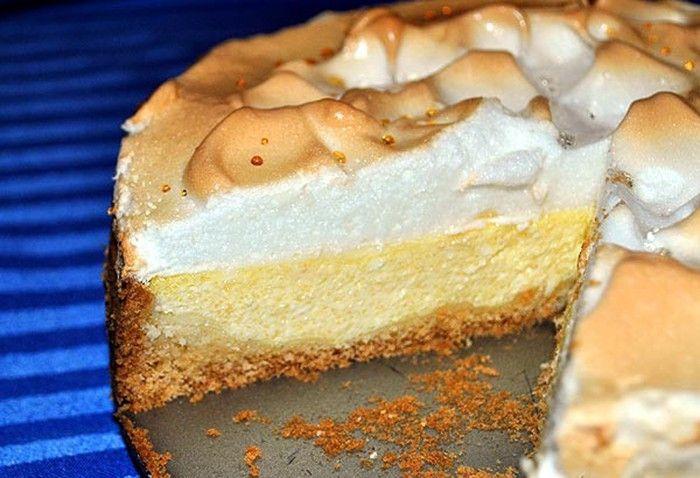 Famózní tvarohový dort s bílkovou pěnou na vrchu. Fantazie!
