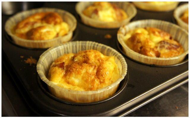 Ägg-och-baconmuffins bästa LCHF frukosten ever!  Källa: http://www.lchfmat.com/agg-o-bacon-muffins/
