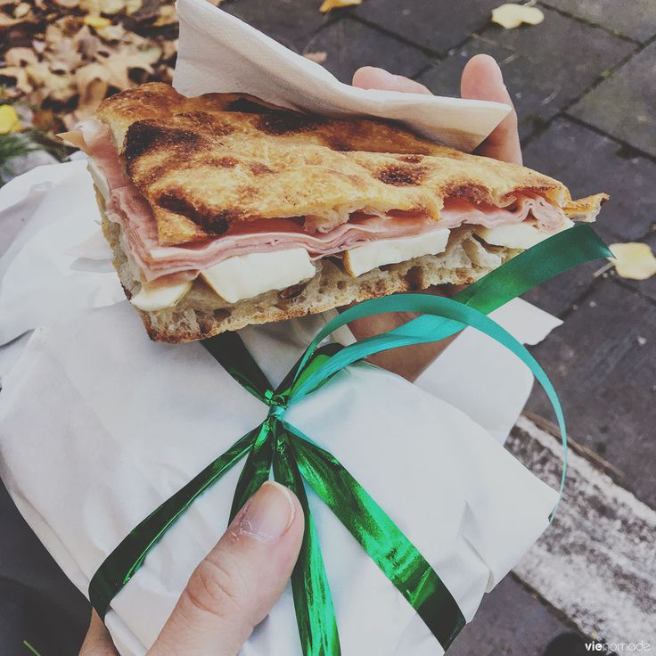 La merenda, sandwich frais, pizza blanche, provola affumicata et mortadelle! Rome, Italie