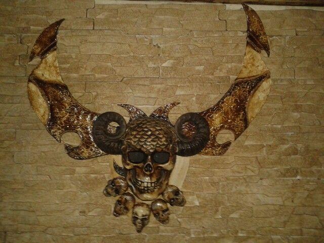 Horn skull