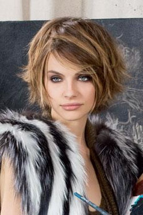 1000 ideas about messy short hairstyles on pinterest short hairstyle tutorial short - Coupe carre court ...