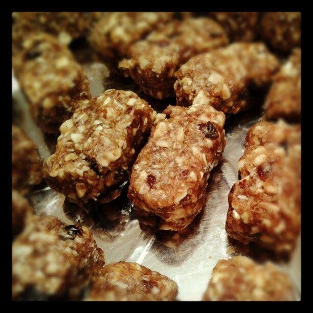 Raw nut bars