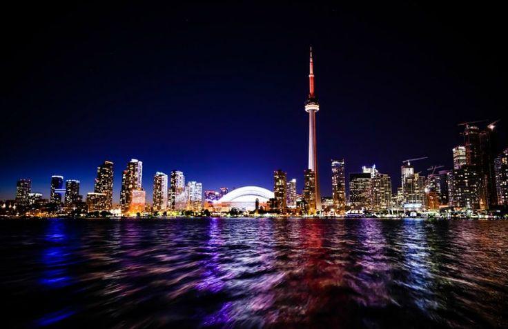 Veja o que fazer em Toronto viajando sozinha. São 10 dicas de passeios imperdíveis pela cidade para você colocar no seu roteiro de viagem.