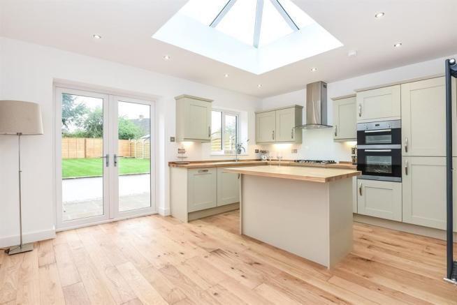 4 bedroom semi-detached house for sale Aspin Avenue, Knaresborough, HG5 8EJ - Google Search