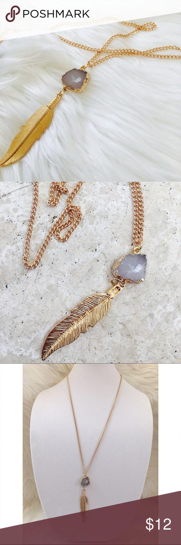 "Gold 28"" long chain necklace leaf faux quartz Gold necklace 28"" long chain with gilded edge faux quartz ✨ adjustable chain clasp closure ✨ pretty leaf pendant ✨ brand new Hype Jewelry Necklaces"