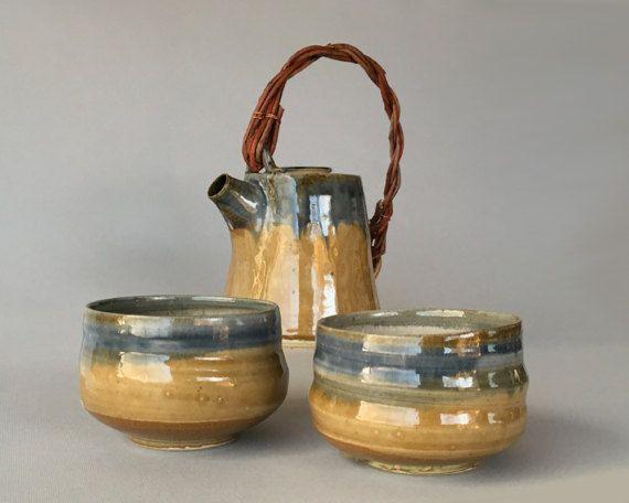 Tazze da tè in gres smaltate di azzurro e beige di mugseco su Etsy