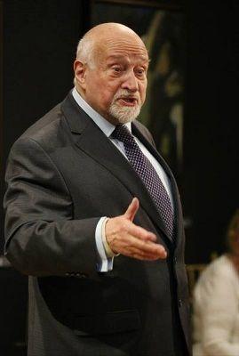 Mario Fratti a LAquila in occasione del 90 compleanno. Lomaggio del Consiglio Regionale dAbruzzo al grande drammaturgo.