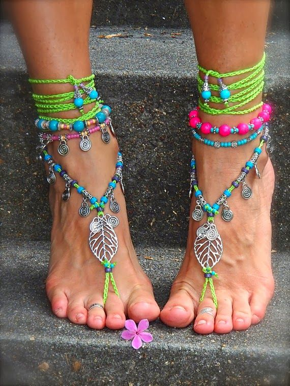 Für Hippies: Fußschmuck-Idee zum selberbasteln. Sieht an Barfußläuferinnen am schönsten aus. :)