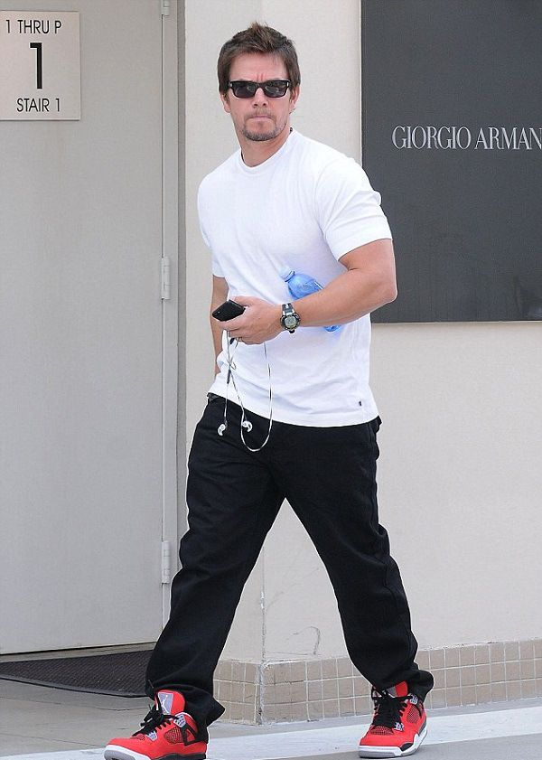Mark Wahlberg Height, Weight Body Measurements