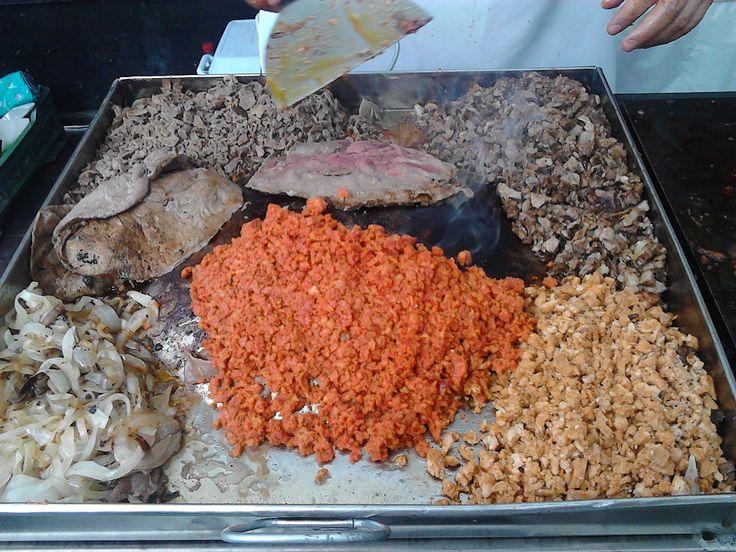 Buffet de tacos  con el sabor de la tradicional cocina mexicana,  Para cualquier fiesta o evento, llevamos el puesto de tacos hasta tu evento para lograr una experiencia única que se quedara grabada por siempre en la mente de sus invitados, haciendo de su Evento algo inigualable.