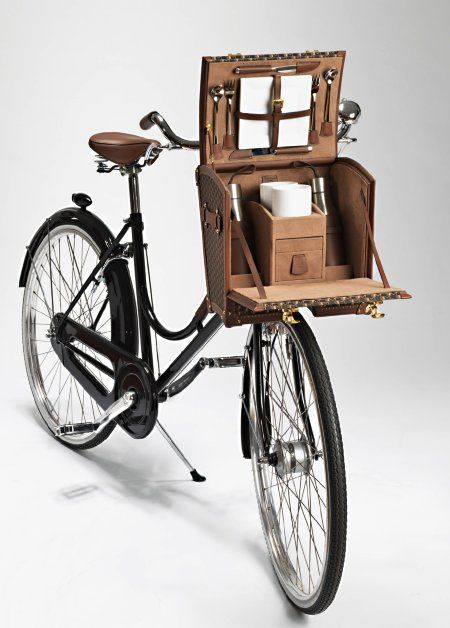 La Malle Bicyclette was developed as a collaboration between Moynat, a French luxury line and the Italian bicycle company Abici.  Ultimate picnic ride, French/Italian style.