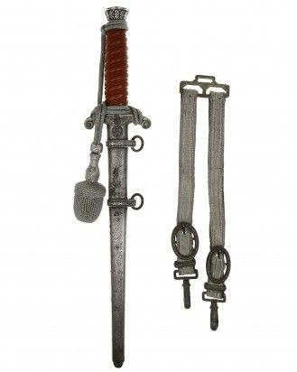 Army Officer's Dagger with Hangers by Original Eickhorn, Solingen  This Army Officer's Dagger is in EXC+ condition with Hangers and Portepee. Model 1935. The total length is 39.9 cm.