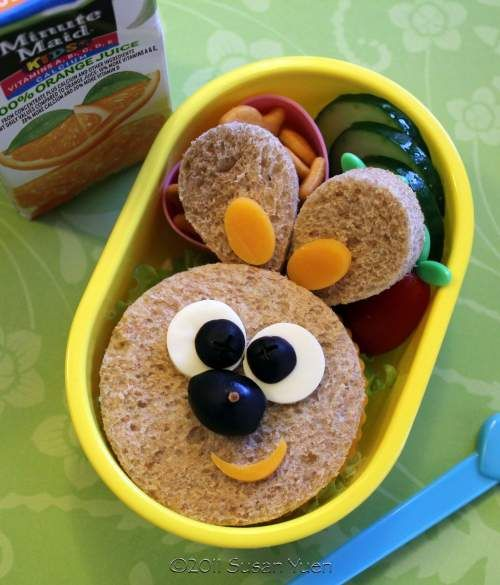 Kids Lunch: This bunny sandwich would be perfect for Easter....We've got another bunny sandwich too.www.itswrittenonthewall.com